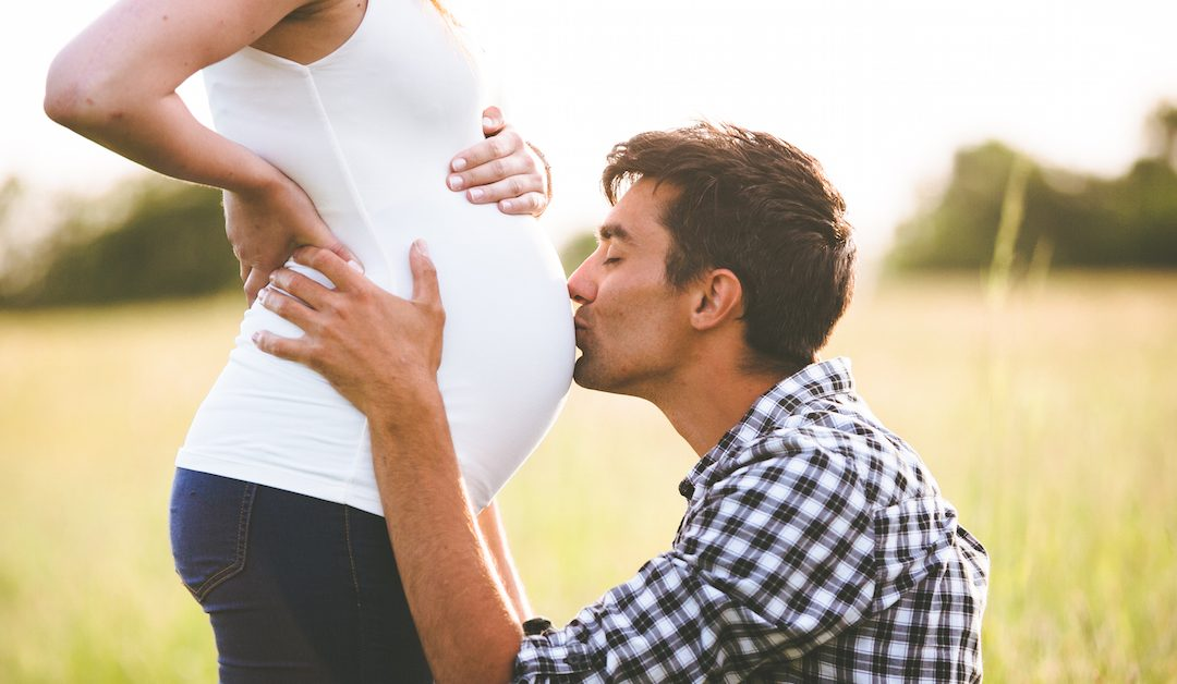 9 Ways Dads Can Emotionally Prep for Childbirth